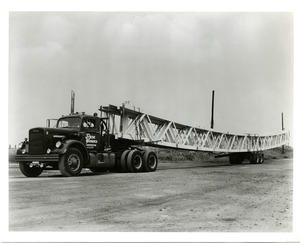Elliott_Photo_truckswithgirders3_nd_PH35.jpg